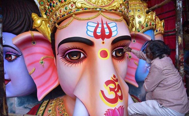 Ganesh Nimajjan: KCR government in dilemma