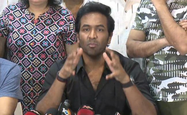 Opinion: Manchu Vishnu Also Falls On KCR's Side
