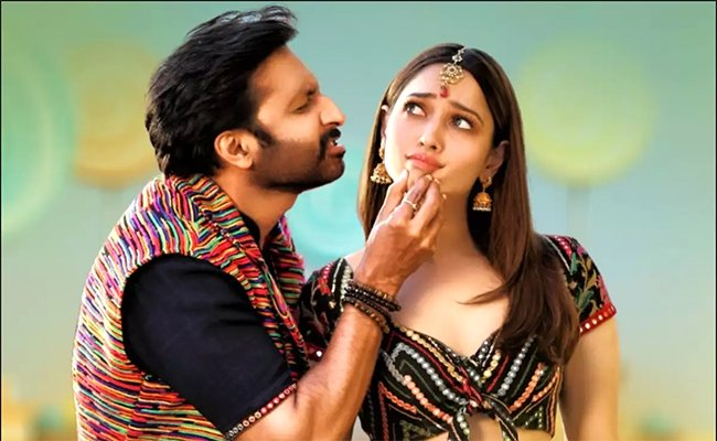 Tamannaah comes to grips with 'Telangana dialect'