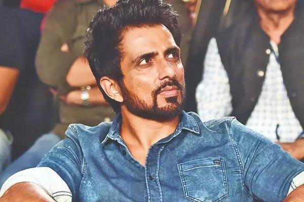 For 2nd day, IT sleuths 'search' Sonu Sood's home