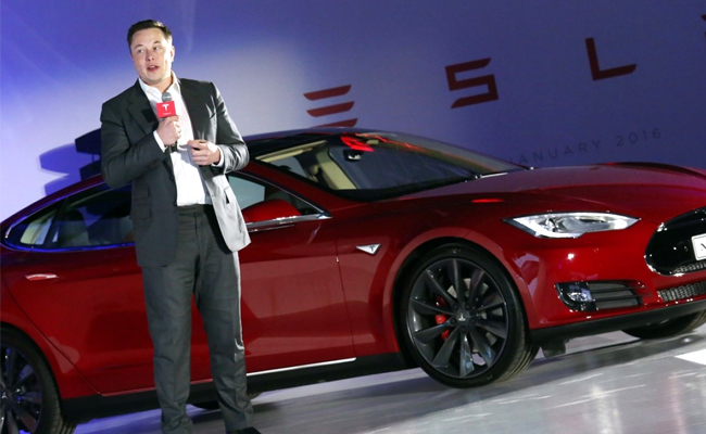 Tesla is worth $3,000 a share 'if they execute really well'