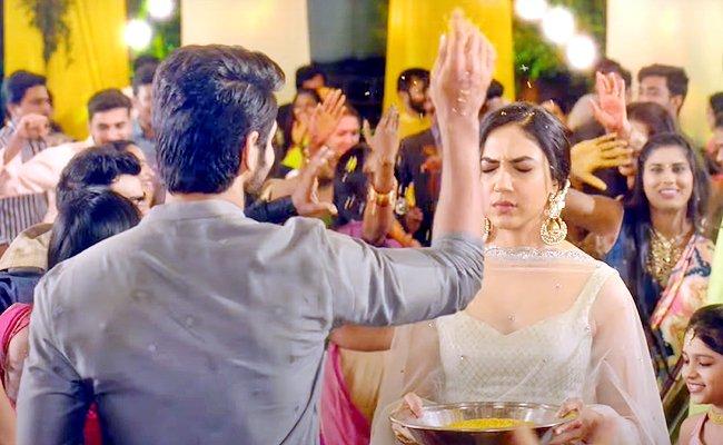 Buzz: Vadhuvu in Demand, Varudu Gets Sidelined