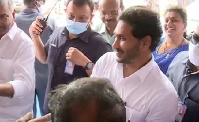 Party Workers Surprised By YS Jagan's Memory