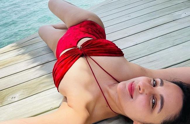 Pic: Parineeti Raises Temperature In Red Bikini