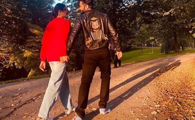 Rakul, Jackky make their relationship official