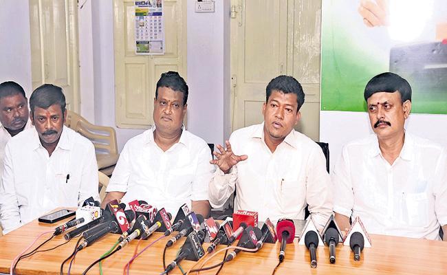 Veerraju has nexus with Chandrababu, says YSRC