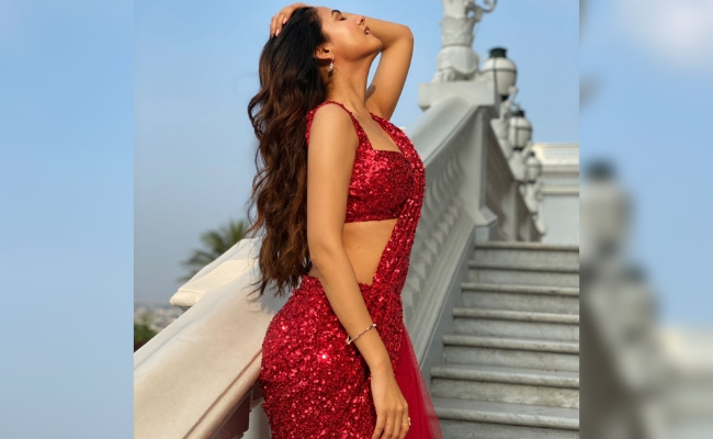 Pic Talk: F3 Beauty Sonal Chauhan Sizzles In Red