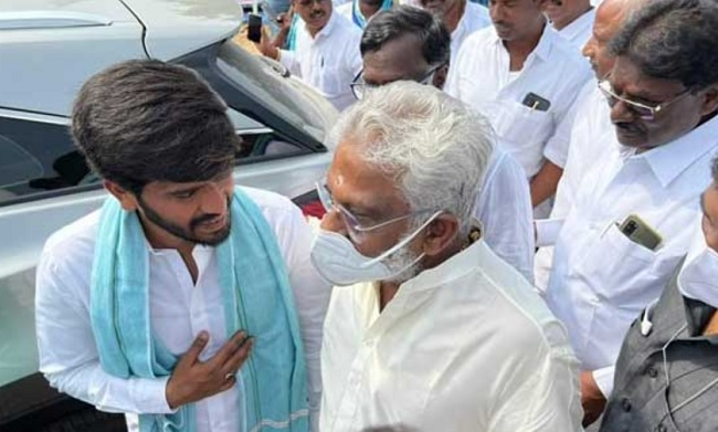 YV meets Sharmila: Any message from Jagan?