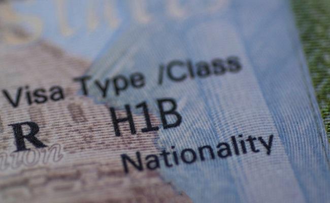 Trump Considering Suspending H-1B Visas: Report