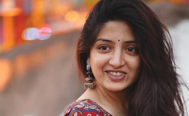 Poonam Kaur's Strong Counter to Sri Reddy?