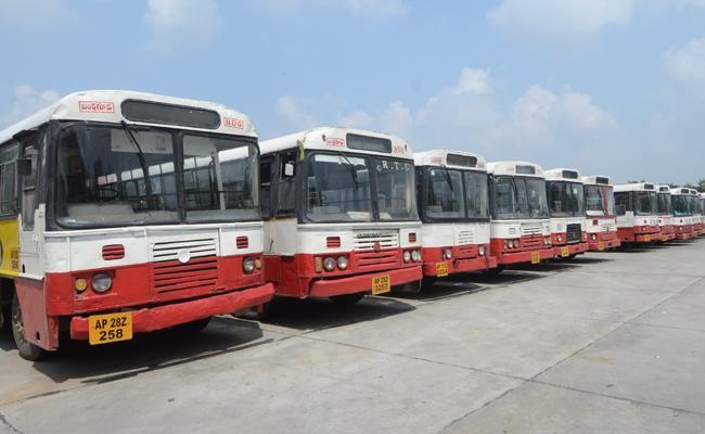 Telangana RTC workers get salaries for strike period!