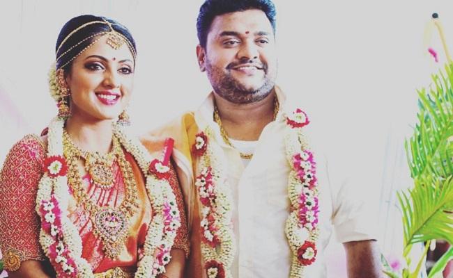 Pic Talk: 'Parugu' Sheela Marries a Businessman