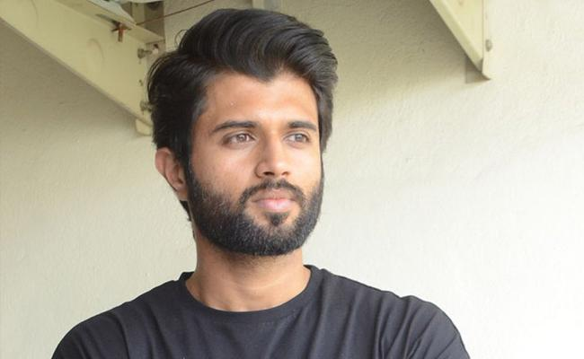 Vijay Deverakonda Opens up About Girlfriend