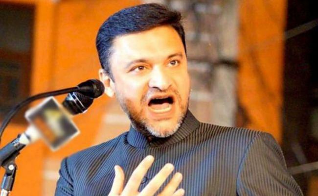 MIM asks KCR to demolish PV, NTR samadhis