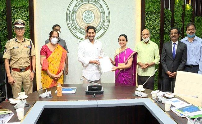 IIM-A Exposes Media Cruelty In Andhra Pradesh