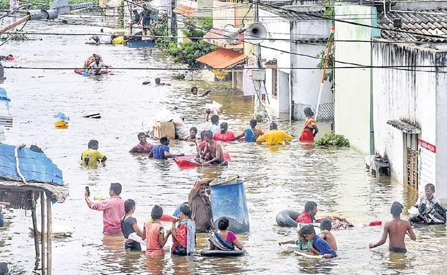 Hyderabad's rain-hit areas remain inundated