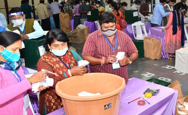 Focus: The Political Future Of Telugu States