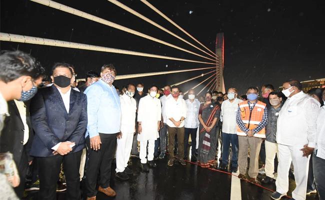 Hyd adds new landmark as 'hanging bridge' thrown open