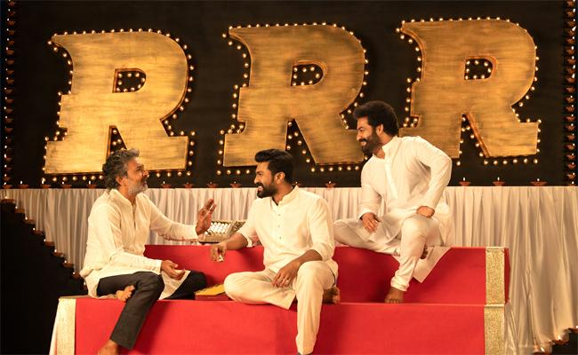 NTR, Charan and Rajamouli's special wishes for fans