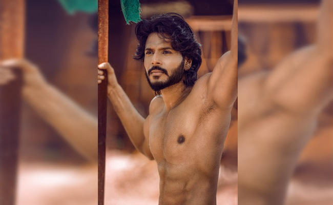 Pic Talk: Sundeep Kishan Goes Shirtless