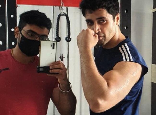 Pic Talk: Adivi Sesh Flaunts Perfectly Toned Biceps