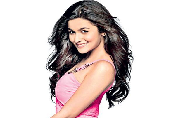 Alia Bhatt to Join RRR on November 2!