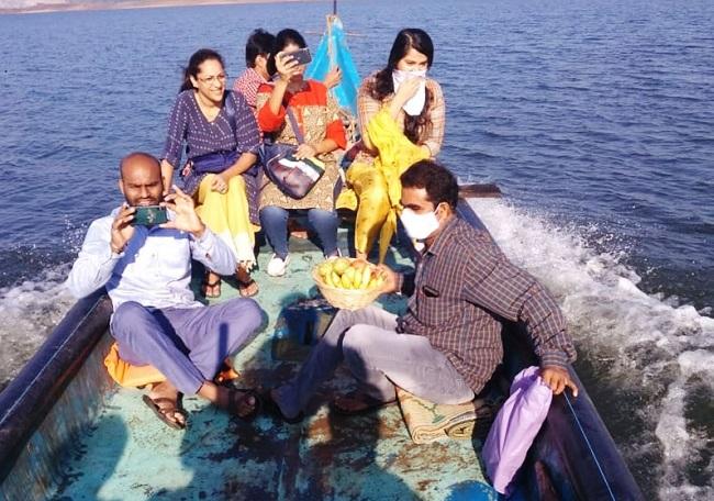 Anushka's Polavaram Visit Pics Go Viral