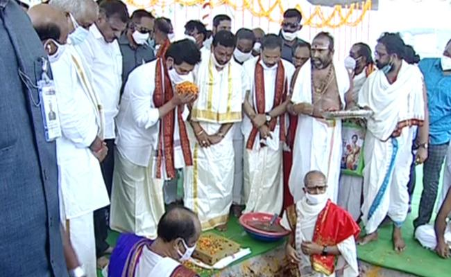 Jagan lays foundation for reconstruction of 9 temples