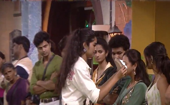 Bigg Boss 4: Silly Reasons, Serious Arguments, And Stupid Theatrics!