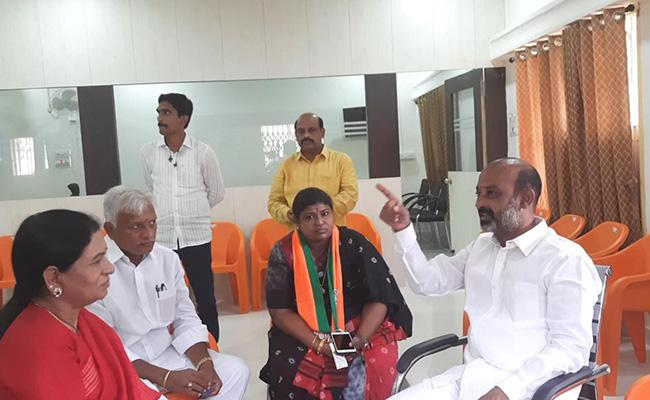 BJP Does A Self-Goal In Siddipet Episode!