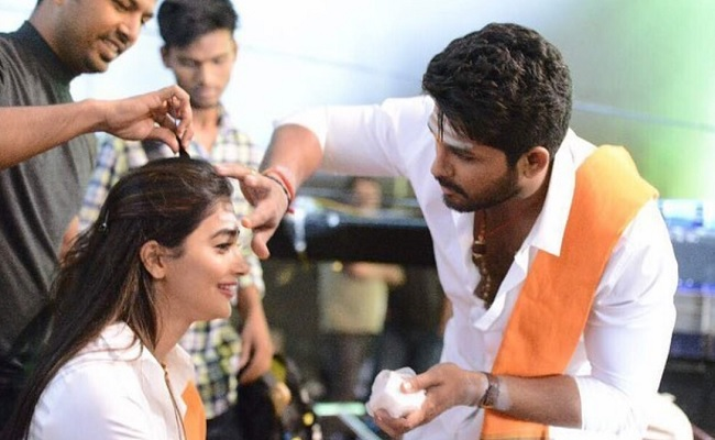Pooja Hegde posts moments from DJ shoot