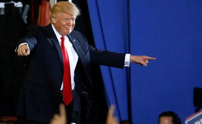 Crowd chants 'Fire Fauci', Trump says 'I appreciate it'