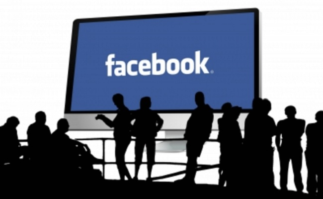 Facebook Sued For favouring H1B Visa Holders