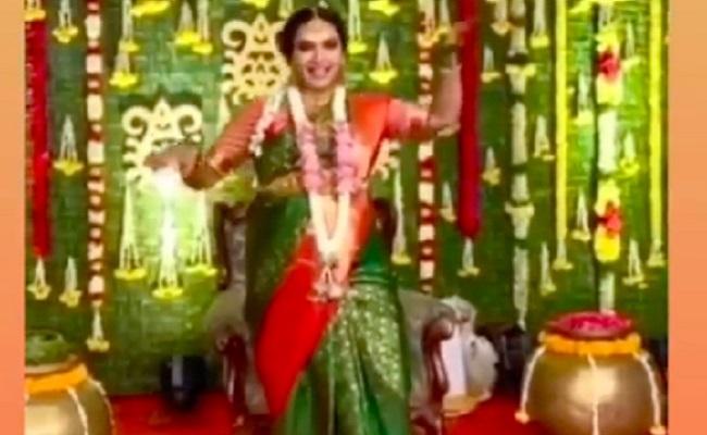 Pregnant Hari Teja Dances at Her Seemantam