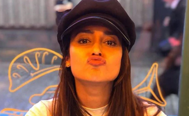 Ileana's Tough Reply To Fan On 'Relationship'
