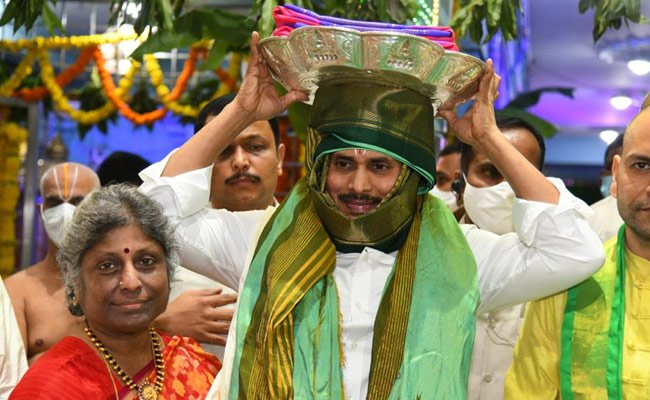 Jagan Silences Critics With His Tirumala Visit
