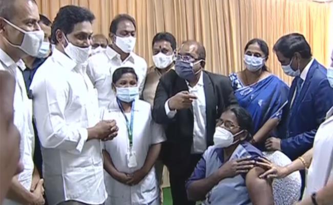 AP sweeper receives first Covid vax shot in Vijayawada