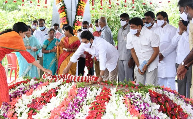 Something Rare About YSR's Tomb