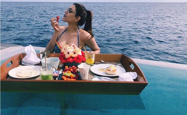 Kajal Looks Stunning In New Honeymoon Pic