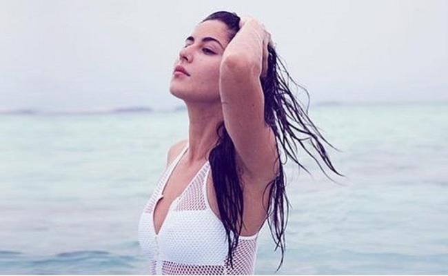 Pic Talk: Bolly Beauty In Blue Sea