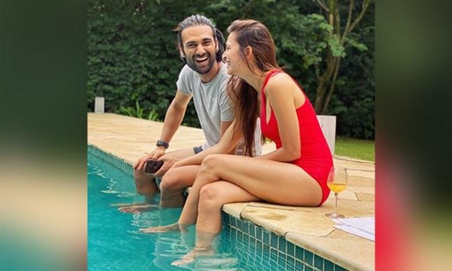 Pic Talk: Pawan Kalyan's Heroine In Swimsuit