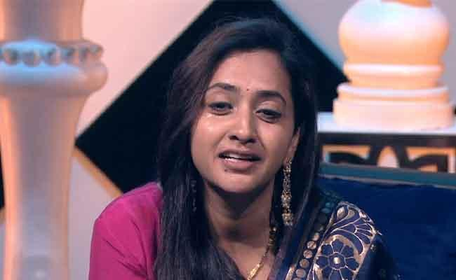Bigg Boss 4: Lasya Evicted, Only Seven Contestants Standing!