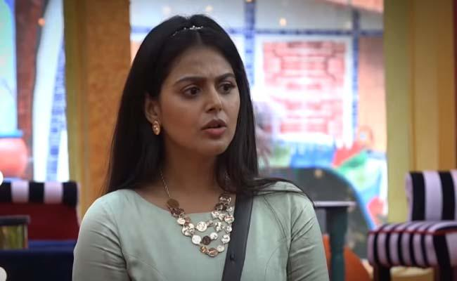 Finally, Monal Gets Evicted from BB4