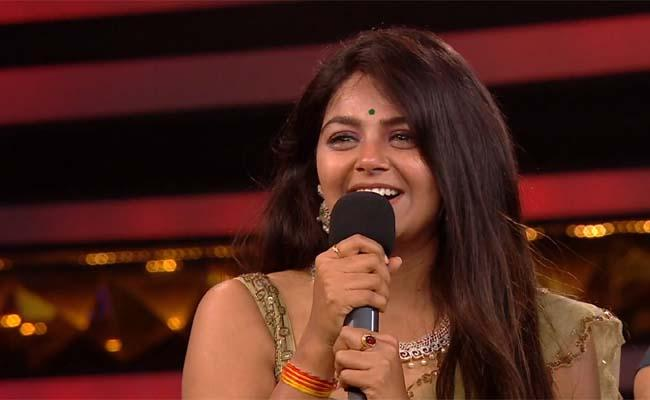 Monal Misses Top 5, But Takes Home Rs 50 Lakh!