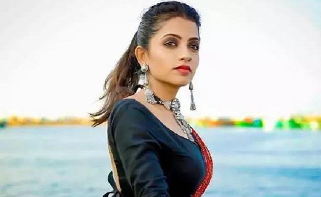 Corona Positive TV Actress Navya Responds