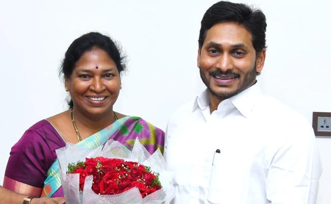 Sunitha, a Paritala follower, to become YSRC MLC!