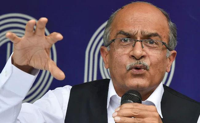 Pay Re 1 as fine by Sept 15 or face jail, SC tells Bhushan