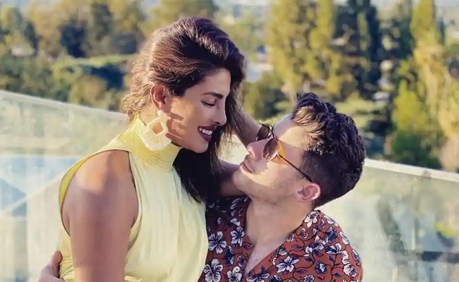 Priyanka Revealed His 'awkward' Bedroom Habit