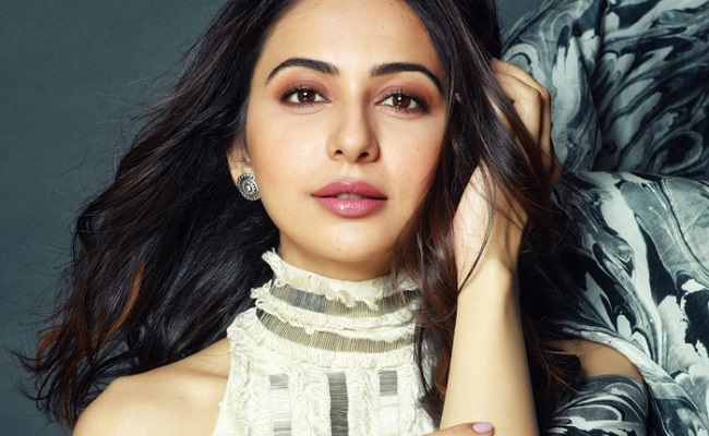 No truth in rumours of Rakul's future signs