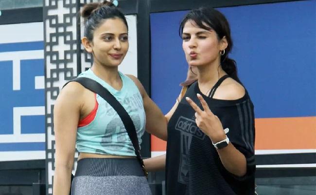 How Friendship Dumped Rakul Preet?